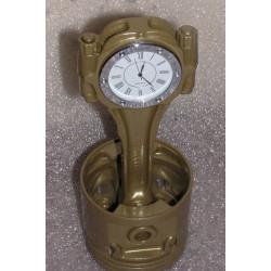 Motor-Kolben aus V8-Motor Gold mit weisser Uhr