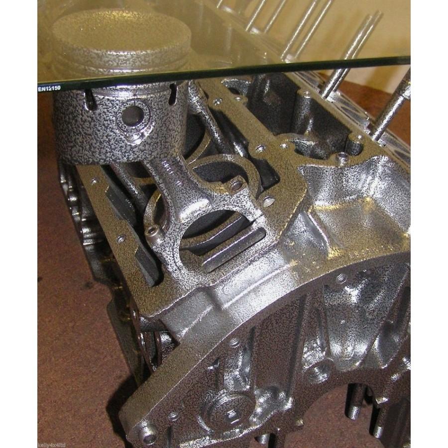 tisch aus motorblock