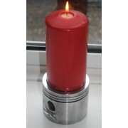 Kerzenhalter groß aus V8-Kolben